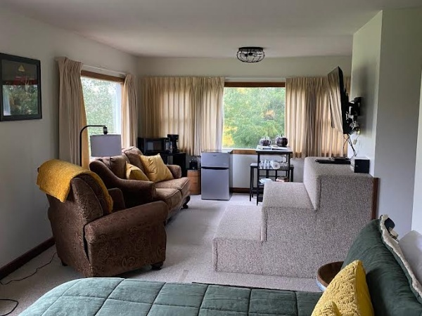 Four Seasons Suite B&B Room