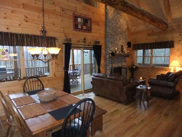 Bella Luna Log Cabin Hocking Hills Cottages And Cabins