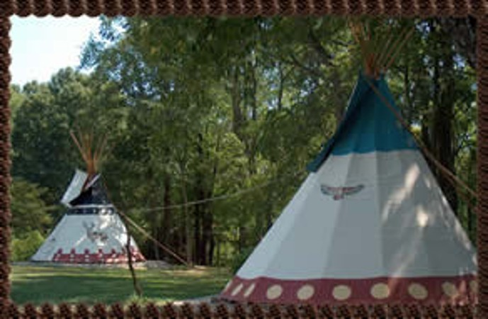 C& in luxury in this 26u0027 traditional Sioux Native American tipi. Sleeps 8 to 10 comfortably. Placed in a beautiful woodland setting.Very private & At Boulders Edge Tipi Retreat - Hocking Hills Campgrounds