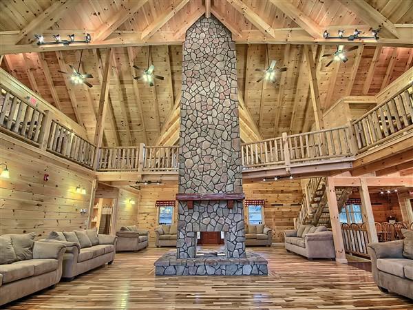 Majestic Oaks Lodge