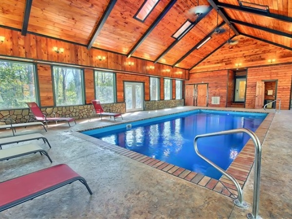 Woodland Ridge Lodging - Hocking Hills Cottages and Cabins