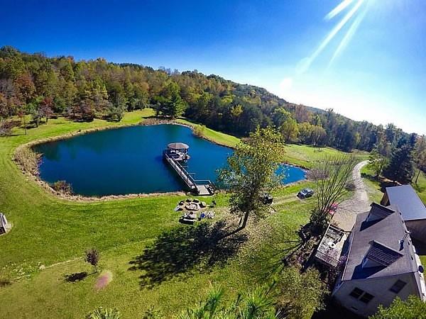 Lotus Lake Lodge