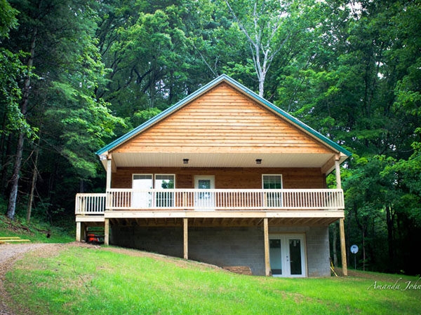 Scotts Creek Hillside Cabin