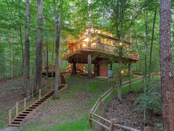 White Oak Treehouse