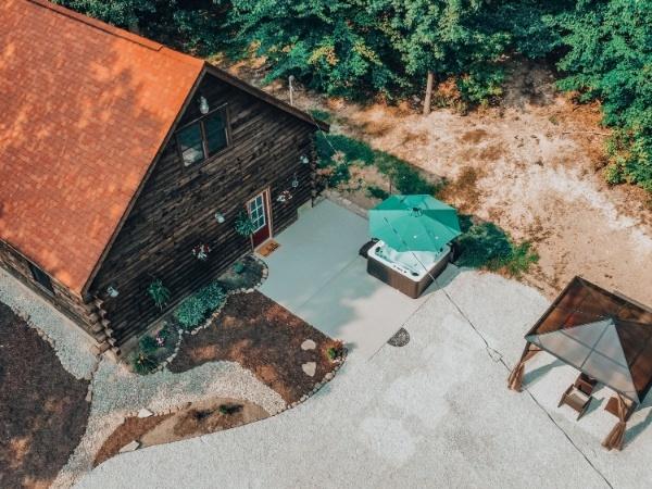 Rustic Oak Cabin